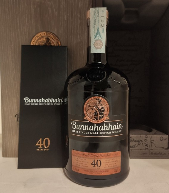 40 Year Old Islay Single Malt Scotch Whisky Bunnahabhain - Astucciato